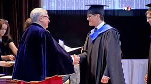 Более выпускников МГИМО получили магистерские дипломы  Вручение дипломов выпускникам МГИМО Фото ТВ Центр