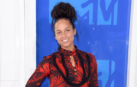 alicia keys dominated headlines after showing up to the mtv video awards on aug