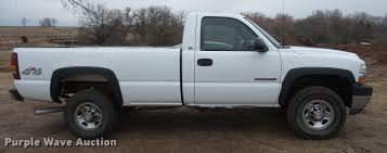 2002 Chevrolet Silverado 2500HD pickup truck | Item BU9282 |...