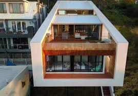Floating house\