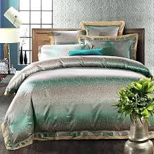 s green and white duvet cover