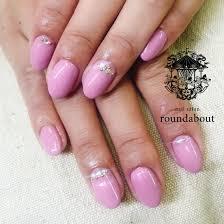 ピンクのストーンアートワンカラーnailsalon Roundabout所属
