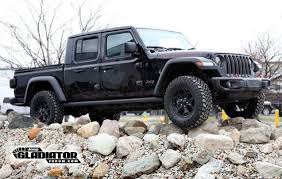 Black Jeep Gladiator JT First Look! – 2019+ Jeep Gladiator (JT ...