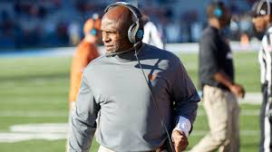 Usf Officially Hires Ex Texas Coach Charlie Strong Wfaa Com