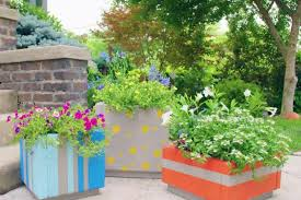 make large outdoor planter boxes from