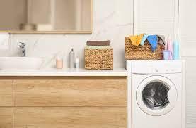 Khi nào mẹ có thể giặt chung, giặt máy quần áo bé?