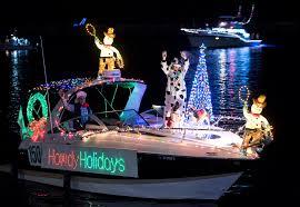 Dana Point Boat Parade Of Lights 2018 More Than 70 Boats Thrill Dana Point Harbor Visitors At This