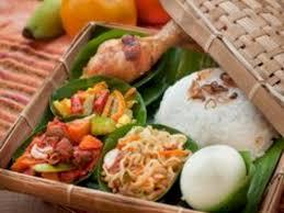 Seperti di jawa barat yang sudah memiliki ciri khas mengonsumsi sayuran mentah sebagai lalapan. Makanan Asing Bebas Ke Indonesia Eksistensi Kuliner Lokal Terancam Indozone Id