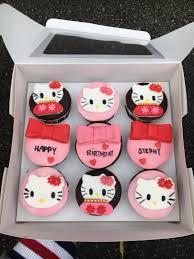 Hello Kitty Cupcakes Makanan Minuman Makanan Dibakar Di Carousell