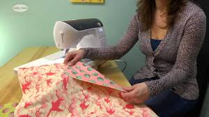 Free Motion Quilting with a Sewing Machine - YouTube & Free Motion Quilting with a Sewing Machine Adamdwight.com