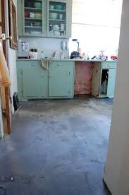 as it s drying the floor will look discoloured and uneven it s all an optical illusion