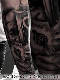 Tatuaggio Chicano Realistico Roma Uomo Carcerato Con Macchina Per