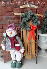 country-christmas-decorating-outside