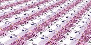 Un detenido con 131.500 euros en billetes de 500 euros falsos en Zaragoza  tras una huida de película