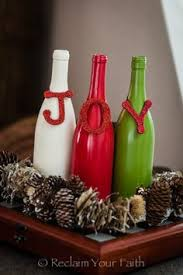 How To Decorate A Wine Bottle For Christmas Simple and adorable DIY decorations using recycled wine bottles 53