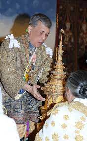 สำนักพระราชวัง เผยพระบรมฉายาลักษณ์รัชกาลที่ 10 ทรงสวมพระมหาพิชัยมงกุฎ