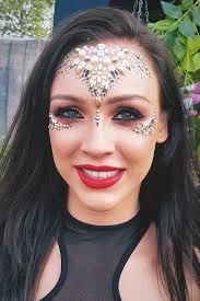 festival makeup ideas 2019 from glittery to understated cool glamour uk