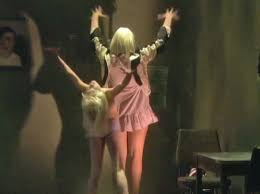 sia performs chandelier on ellen with moms star mad toofab com