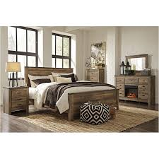 B446-58 Ashley Furniture Trinell - Brown King/california King Panel Bed