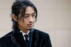 斎藤工の髪型最新のパーマツーブロックのセット方法 Hairstyle