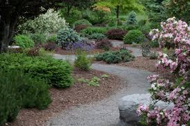 design garden prayer rooms with inviting paths