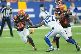 The RB and the sea: D'Ernest Johnson goes from working on fishing boat to  having real chance to make Browns – BrownsZone with Scott Petrak