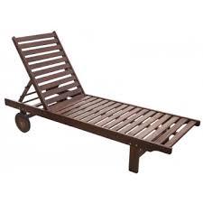 Дървени шезлонги, масички за шезлонг и плажни шатри, които могат да се използват на различни места. Gradinski Mebeli