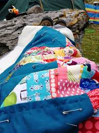 Clover & Violet — Fluffy Sheep Quilting: Hand Quilting at the Beach & Since it was so cold, hand quilting a small quilt was the perfect project  to keep me warm at the camp site or next to the fire while also keeping my  hands ... Adamdwight.com