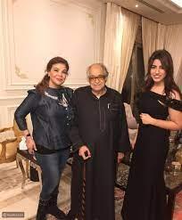 صورة صفاء أبو السعود مع زوجها بملامح مختلفة تماماً - ليالينا