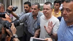 ABD-Türkiye arasında krize sebep olan rahip Brunson serbest bırakıldı -