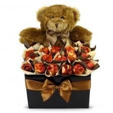 chocolate hugs chocolate bouquet