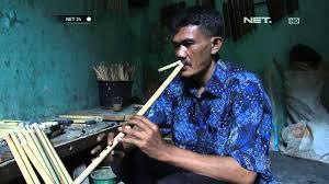 Alat musik tiup tradisional asal jawa barat tidak hanya suling, masih ada karinding. Net24 Pengrajin Suling Bambu Dari Jawa Barat Youtube