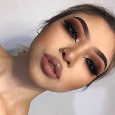 dark brown makeup for brown eyes contoured and full lips makeup goals