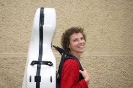 Bis zum Zusammenspiel auf der neuen CD mit Cecilia Bartoli war es für Eva-Maria Burkard ein langer musikalischer Weg: Seit 11 Jahren spielt sie im ... - Eva-Maria%2520Burkard
