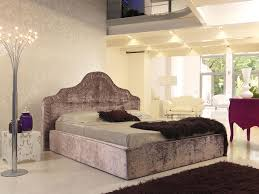 Bedroom:Luxury Bedroom With Minimalist Bedroom Has Grey Blanket And Pillows  With Black Fur Rug