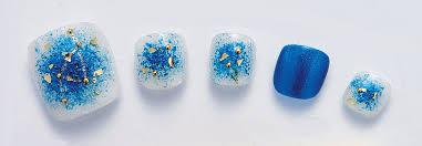青フットネイルおすすめ5選セルフでできるシンプルデザインや夏に