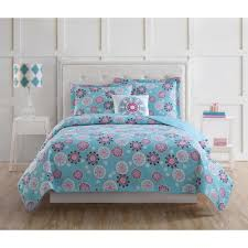 laura hart kids rosanna medallion pink and turquoise twin quilt set with bonus decorative pillow