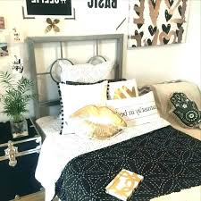Elegant Black White And Gold Bedroom Black And Gold Bedroom Ideas ...