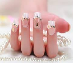 Technique to do French Manicure With Nail Art Designs - Latest ...