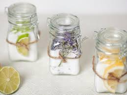 15 quick easy diy party favors