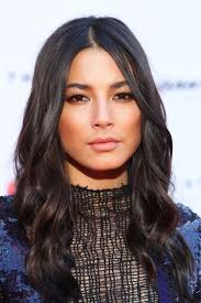 64 best Celebrity hairstyles images on Pinterest | Burgundy rugs ...