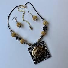 medallion pendant necklace set previous