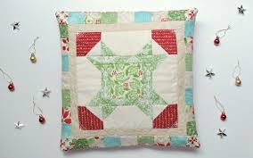 November Noel: A Christmas Star Quilt Block   Blossom Heart Quilts & Christmas Star pillow tutorial Adamdwight.com