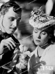 Ivan Desny & Ann Todd Characters: Emile L'Anglier & Madeleine Smith Film:  Madeleine (1952) Director:..., Stock Photo, Picture And Rights Managed  Image. Pic. MEV-12076876 | agefotostock