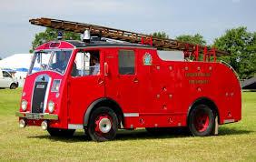 """Résultat de recherche d'images pour """"old fashioned fire engine"""""""