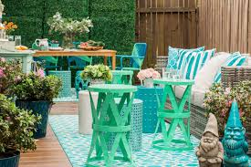 Easy Patio Decorating 10 Ways To Amp Up Your Outdoor Space With String Lights Hgtvs