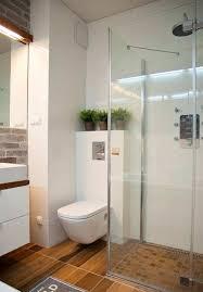 Badezimmer Mit Freistehender Badewanne Und Dusche