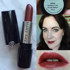 mary kay gel semi matte lipstick swatch in midnight red