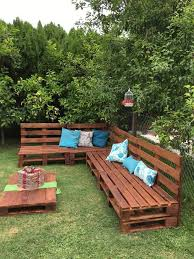 recycled pallets outdoor furniture. pallets outdoor sofa and table on casters recycled furniture o