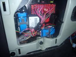 complete diy guide to hardwire a gps radar detector & laser 2006 Cobalt Fuse Box take the plastic cover off the fuse box it is locked on pretty tight, so don't feel bad giving it a good tug so it comes off 2006 cobalt fuse box location